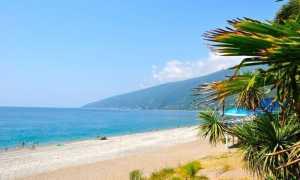 Топ-7 лучших песчаных пляжей Абхазии 2021: Где самое чистое море?