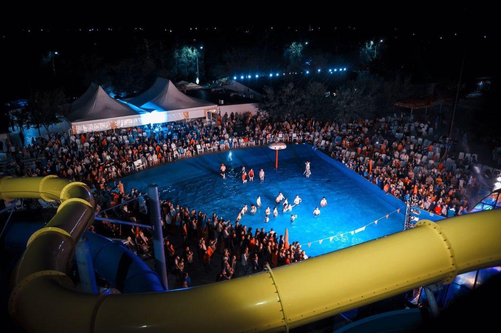 бассейн аквапарка Лава