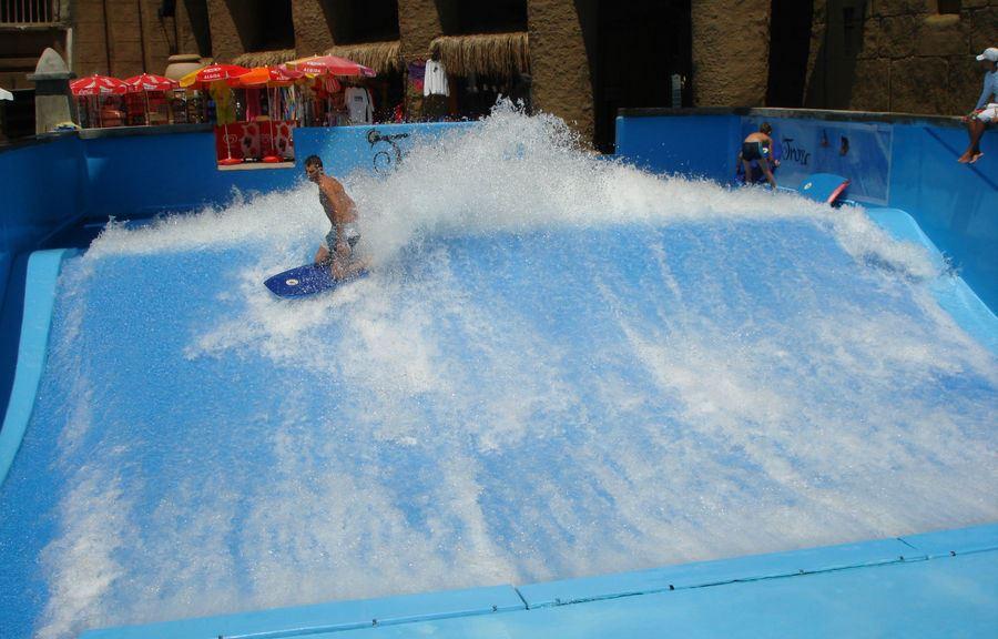 бассейн для серфинга
