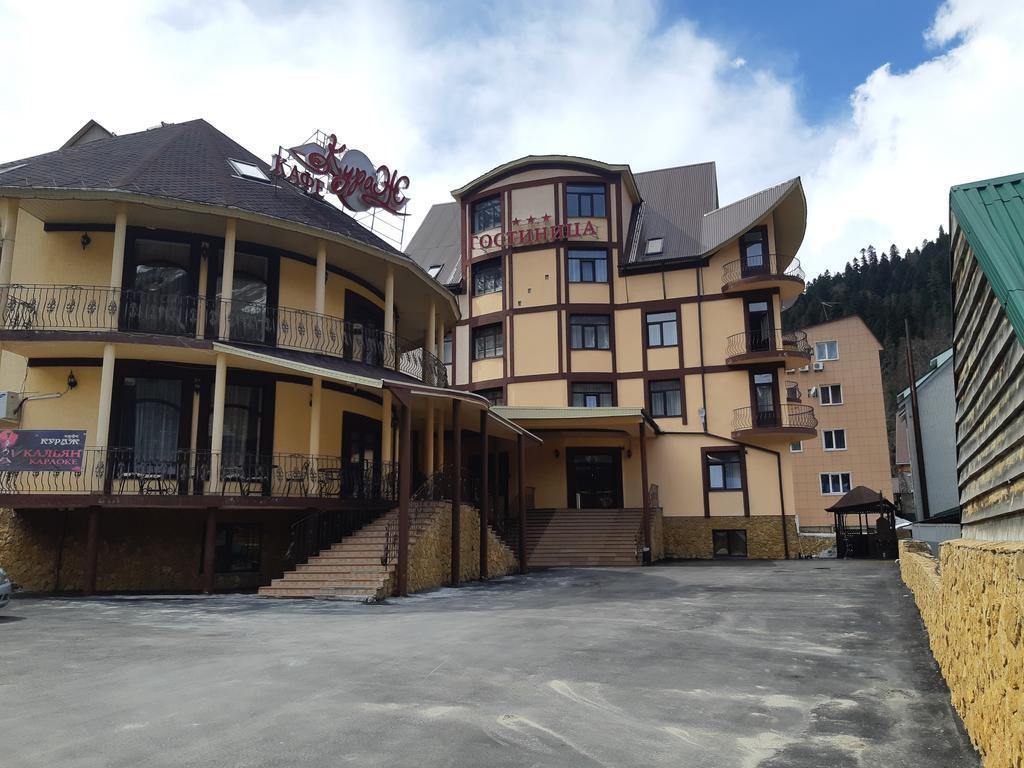 Домбай гостиницы