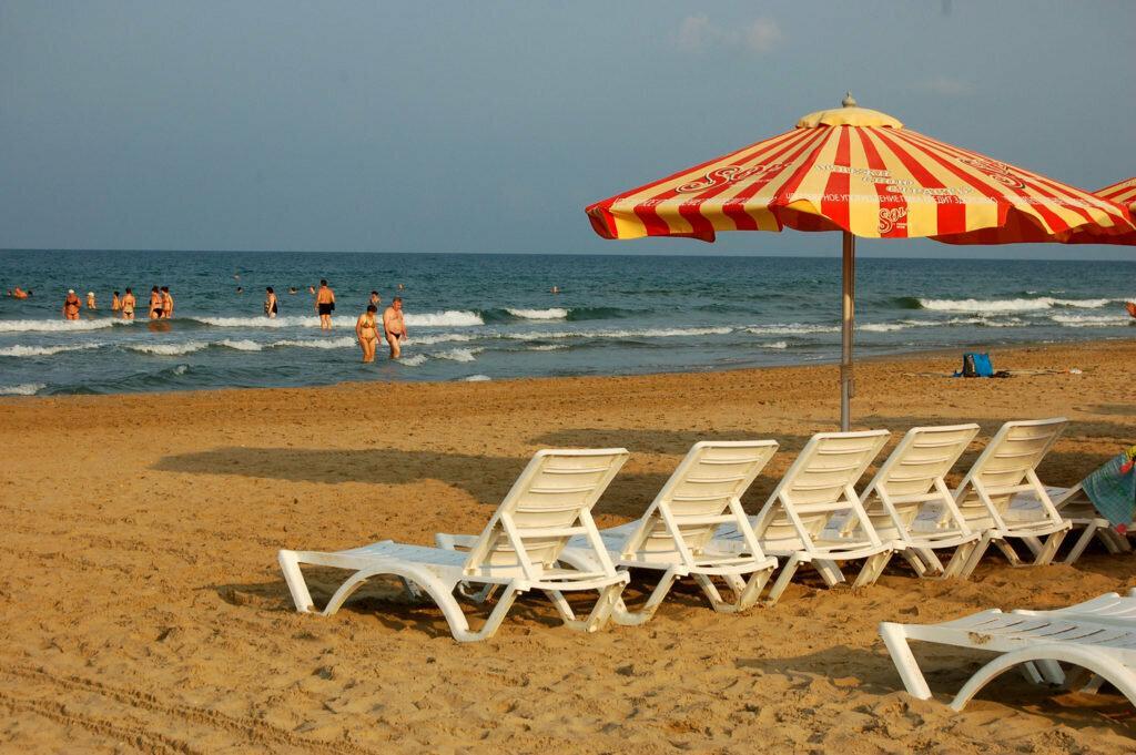 Песчаные пляжи Сочи