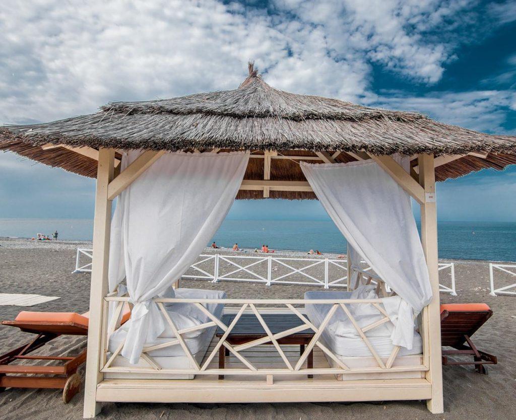 Пляж Мандарин Адлер