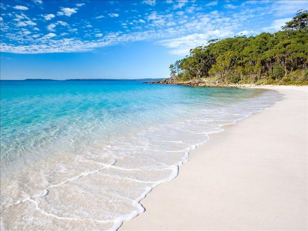 Белые пляжи Крыма